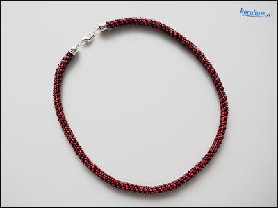 2030 Černo-červené šité korále