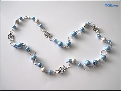 2042 Korále jemně modré